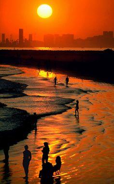 Seal Beach, CA | Seal Beach Sunset (Long Beach, CA Skyline) | Rich Barger | Flickr