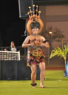 """""""Apparently the Samoan muscle mass skipped on by me ;0/"""" Look at how beautiful and tone this woman is   stunning"""
