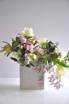 Blooms in Season | Natalie Bowen Designs for Sacramento Street