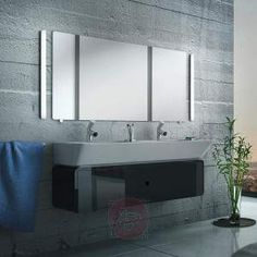 Puristisch designte LED-Bad- und Wandleuchte Case Formschön und mit einer Gesamtlänge von stattlichen 119 cm überzeugt die Bad- und Wandleuchte Caseauf voller Linie. Mit ihrem dezenten Design und hochwertigen Materialien bestückt, wird sie zur optimalen und effektvollen Beleuchtung im Bad. Ausgestattet mit moderner LED-Technik erzeugt sie einen erstaunlichen Lichtstrom von 1.500 Lumen. Durch den satinierten Diffusor wird zudem ein gleichmäßiges und warmweißes Licht erzeugt. Dies ermöglicht…