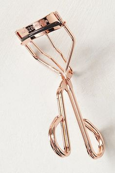 rose gold Tweezerman eyelash curler