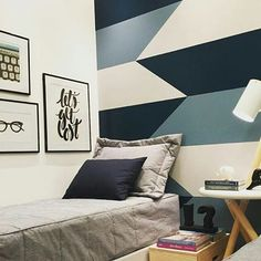 Painting a geometric wall that serves as headboard to the bed Bedroom Wall Designs, Room Ideas Bedroom, Diy Room Decor, Bedroom Decor, Design Bedroom, Boys Bedroom Paint, Geometric Wall Paint, Room Wall Painting, Interior Decorating