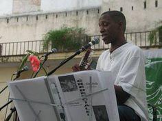 Situado en la Plaza Vieja, el Centro Cultural Pablo de la Torriente Brau es una institución cultural de primer orden, independiente, sin fines lucrativos, creada con el auspicio de la Unión de Escritores y Artistas de Cuba (UNEAC). El Centro programa exposiciones temporales, lecturas de poesía y conciertos acústicos.