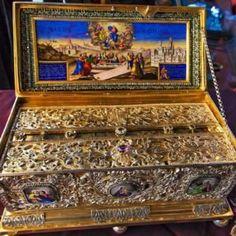 Άγιος Εφραίμ-Νυκτερινή προσευχή για προστασία από το κακό - ΕΚΚΛΗΣΙΑ ONLINE Pinball, Tin, Prayers, Decorative Boxes, Christian, Salads, Pewter, Prayer, Beans