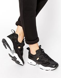 b51b001c5888c7 baskets montantes pour femme – Reebok «Insta Pump Fury Black White» Photo  Basket