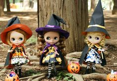 I want the orange witch outfit so bad! It's so cute! >w