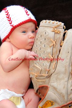 Baseball Baby Picture  @CaitlinPasmaPhotography