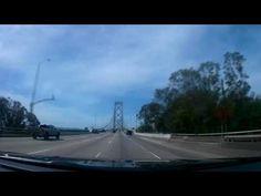 Cruzando en carro el Bay Bridge en California