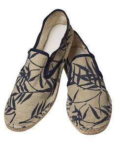 Shop the latest men's clothing and apparel from the official Scotch & Soda webstore. Men's Shoes, Shoe Boots, Latest Clothes For Men, Beach Sandals, Canvas Leather, Shoe Game, Summer Shoes, Moccasins, Casual Shoes