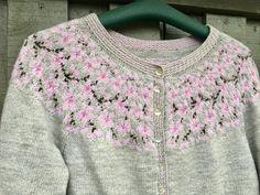 Baby Cardigan Knitting Pattern Free, Fair Isle Knitting Patterns, Knitting Charts, Knitting Designs, Free Knitting, Knitting Projects, Baby Knitting, Crochet Dress Girl, Knit Crochet