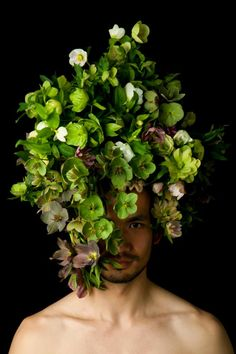 """Hanayuishi Takaya : créateur de compositions capillaire avec des végétaux, des feuillages et des légumes ("""" men"""" nouvelle exposition présentée à Tokyo et  Kyoto ). Son art amène poésie et air frais à l'univers capillaire."""