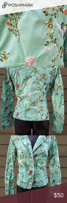 JOHNNY WAS Green Embroidered Floral Blazer Jacket JOHNNY WAS Green Embroidered Floral Blazer Jacket Size small 3 button jacket EUC Perfect for fall!! Would look great with jeans or slacks! EUC jacket has the pockets still sewn shut.  Gorgeous embroidery!! Per photo there are a couple threads sticking up. This is due to the way the fabric was cut and not wear and tear. Johnny Was Jackets & Coats Blazers