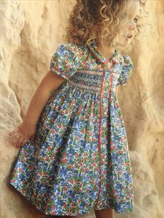 Probably a Children's Corner ♥ Pattern. Love the matching rick-rack accent. Toddler Dress, Toddler Outfits, Baby Dress, Kids Outfits, Girls Smocked Dresses, Little Dresses, Little Girl Dresses, Little Girl Fashion, Kids Fashion