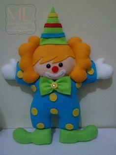 Palhaços   MD Acessórios e Arte em Feltro   Elo7 Kids Crafts, Baby Crafts, Felt Crafts, Felt Kids, Felt Dolls, Felt Ornaments, Craft Work, Softies, Embroidery Designs
