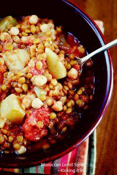 Moroccan Lentil Stew (sub veg broth for chicken) | kickingitin.com #stew #vegetarian #vegan