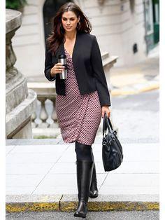 Coquettes et chouettes, les robes grandes tailles vont affoler les fashionistas ! On adore leurs imprimés, décolletés sexy et coupes drapées enchanteresses.  A découvrir sur > http://www.mode-tendance-by-helline.fr/mode-femme/robes-grandes-tailles-a-porter-au-quotidien/