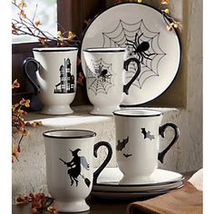 Sweet !! Love this set...if only it was enamel ware it would be perfect.