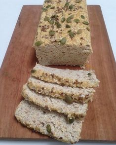 Bread with almond flour, coconut and flaxseed It is a - Pan sin Gluten Recetas Raw Food Recipes, Low Carb Recipes, Cooking Recipes, Healthy Recipes, Healthy Food, Healthy Meals, Paleo Bread, Almond Flour, Flaxseed Flour