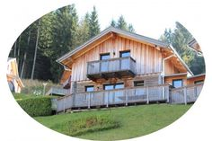 Ferienhaus direkt an der Skipiste in Annaberg ab 70 € pro Objekt / Nacht. Buchen Sie dieses Ferienhaus für bis zu 8 Personen in der Region Salzburger Land, Dachstein in Annaberg! Sauna, Shed, Outdoor Structures, Cabin, House Styles, Home Decor, Winter Vacations, Cottage House, Night