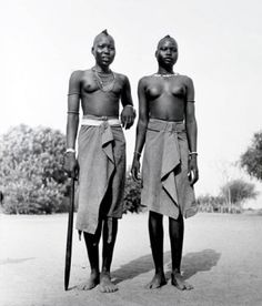 Dinka girls of Duk Faiwil, Kordofan, Southern Sudan 1949 African Tribes, African Women, African Art, Work In Africa, Cultures Du Monde, Contemporary Photographers, My Black Is Beautiful, India, Black And White Portraits