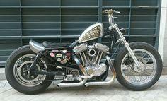 Custom Harley-Davidson XL Sportster 1991-2003 | Frisco style gas tank | One-off solo seat Sporster bobber japan style kustom