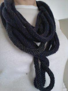 "Stunning ""Medusa"" scarf - free pattern"