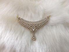 Diamond Mangalsutra, Gold Mangalsutra Designs, Gold Earrings Designs, Gold Jewellery Design, Gold Jewelry, Diamond Jewelry, Delicate Gold Necklace, Diamond Pendant, Fashion Jewelry