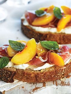 Peach, Prosciutto and Lemon-Whipped Goat Cheese Tartine on ACE Bakery Honey Whole Wheat . I would grill my bread first, then make the open face sandwich. Tapas, Sandwich Recipes, Appetizer Recipes, Recipes Dinner, Appetizers, Fingers Food, Summer Vegetarian Recipes, Whipped Goat Cheese, Open Faced Sandwich