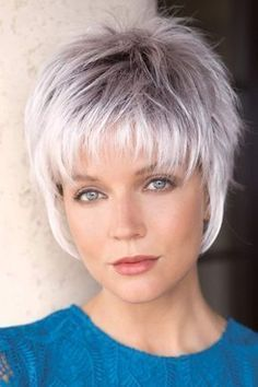 Crazy Tips: Brunette Hairstyles Haircuts older women hairstyles overweight.Braided Hairstyles Bun older women hairstyles carmen dell'orefice. Short Grey Hair, Short Hair With Layers, Short Hair Cuts For Women, Gray Hair, Short Choppy Hair, Short Wavy, Short Hair Over 60, Choppy Layers, Long Bangs