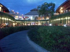 Beach walk Mall kuta beach, bali