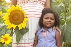 sunflower maternity, sunflower maternity session, sunflower field session, child photography, child photos, maternity photo ideas, child photo ideas, mother daughter session, mother daughter photos