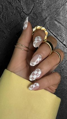 Stylish Nails, Trendy Nails, Hair And Nails, My Nails, Oval Nails, Oval Nail Art, Manicure, Red Acrylic Nails, Nail Candy