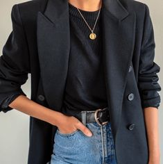 16 Chic and Easy Fall Outfit Ideas - Street Style - Modetrends Black Women Fashion, Look Fashion, Trendy Fashion, Autumn Fashion, Womens Fashion, Korean Fashion, Fashion 2018, Fashion Spring, Cheap Fashion
