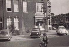 Hoek Pontanusstraat - Fransestraat 1962 met 3 verschillende Volkswagens