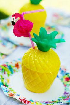pineapple-flamingo-drink