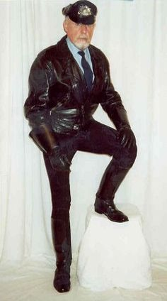 "Patrick ""Bootlover"", #LeatherCop, Australia. #LeatherAU 🇦🇺"