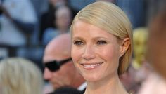 Gwyneth Paltrow wishes to pass her Oscar dresses to daughter