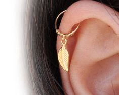 Helix Earring - Tiny Hoop Helix Ring - Gold Helix - Helix Earring Hoop - Helix Piercing - Helix Jewelry - Helix Cartilage Earring- Cartilage - Women's style: Patterns of sustainability Gold Helix Earrings, Forward Helix Earrings, Helix Cartilage Earrings, Cuff Earrings, Clip On Earrings, Septum Ring, Fake Piercing, Helix Piercing Jewelry, Helix Ring