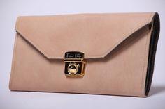 Clutches - Clutch aus Echtleder & Designfilz - ein Designerstück von FeleaDesign bei DaWanda