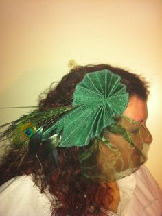 Headpiece straw and feathers