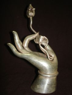 "Shuni mudra, the ""seal of patience"". Buddha Hand with Lotus Blossom. Buddha Zen, Buddha Buddhism, Feng Shui, Buddha's Hand, Mannequin Art, Show Of Hands, Buddhist Philosophy, Hand Sculpture, Tatoo"