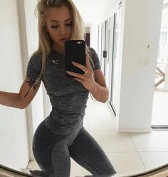 Image shared by Find images and videos about tammy hembrow, body and blonde on We Heart It - the app to get lost in what you love. Fitness Inspiration, Body Inspiration, Athleisure Trend, Tammy Hembrow Fitness, Sculpter Son Corps, Moda Fitness, Tops For Leggings, Maternity Tops, Trends