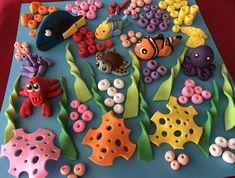 Rose En Fondant, Satin Ice Fondant, Nemo Y Dory, Bolo Original, Ocean Cakes, Fondant Toppers, Fondant Cupcakes, Pink Cupcakes, Cupcake Cakes