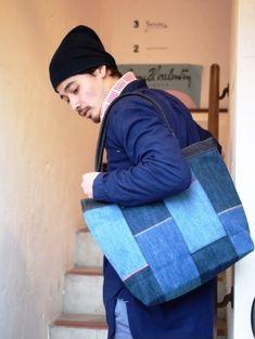 カジュアルなデニムのパッチワークと 上質なレザーのトートバッグ! デニム雑貨の通販 デニムバッグなどデニム小物の販売|araiyan|商品詳細 Bean Bag Chair, Diy And Crafts, Bags, Fashion, Scrappy Quilts, Old Jeans, Handbags, Moda, Fashion Styles