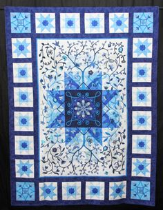 Persian Carpet by Sue Elliott.  Queensland Quilters 2015 show.  Judge's Choice Award.