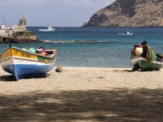 Le Cap-Vert est constitué d'un ensemble d'îles d'origine volcanique situées à 1000 kilomètres à l'ouest du Sénégal dans l'océan Atlantique. Ses plages pleine...