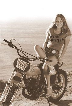 Custom VANS natural BABES & other bad ass transportation. Girl Riding Motorcycle, Dirt Bike Girl, Biker Girl, Motocross Girls, Vintage Motocross, Vintage Bikes, Vintage Motorcycles, Anouchka Delon, Foto Picture