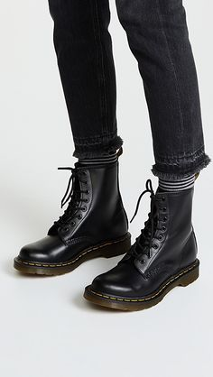 want Dr.Martens Boots Appears to be like- # herren │Dr.Martens Boots Appears to be like- # herren A Doc Martens Stil, Doc Martens Boots, Dr Martens Stiefel, Dr Martens 1460, Dr Martens Outfit, Dr Martens Style, Timberland Stiefel Outfit, Timberland Boots Women, Doc Martens Chelsea Boot