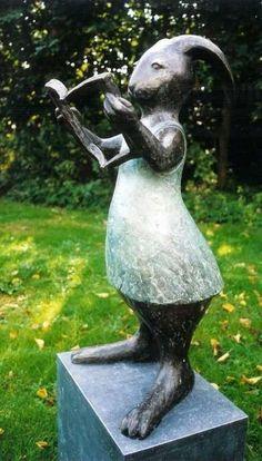 Yvonne Visser - Bronzen Beelden.  Ook leuk.