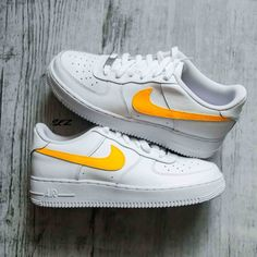 Nike Air Force 1 custom - Sunset by sneakeaze White Nike Shoes, Nike Air Shoes, Sneakers Nike, Nike Air Force Ones, Air Force 1, Air Force One Custom, Jordan 1 Red, Painted Shoes, Brand New